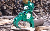 HWS Wood splitter breaking down large logs