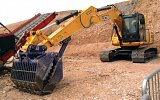 WMG15 Waste handling grapple fitted on a JS160 excavator